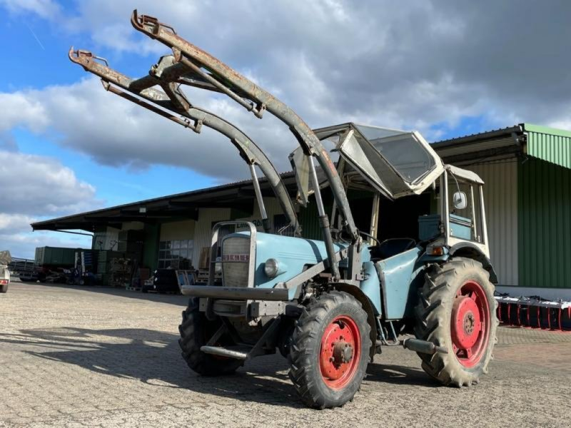 Traktor des Typs Eicher Königstiger 3254, Gebrauchtmaschine in Steinau  (Bild 1)