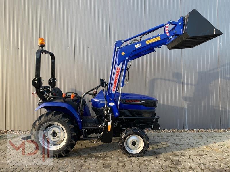 Traktor des Typs Farmtrac MD FARMTRAC 22 Kleintraktor mit Frontlader Ackerstollebereifung, Neumaschine in Zeven (Bild 1)