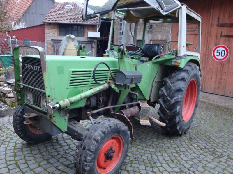 Traktor des Typs Fendt 102 S, Gebrauchtmaschine in Wiesbaden (Bild 1)