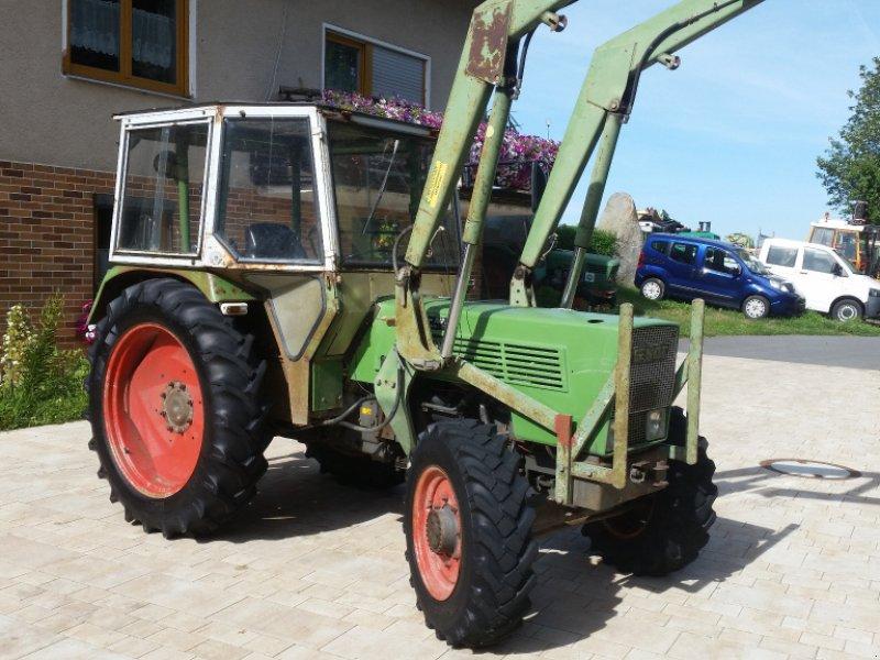 Traktor des Typs Fendt 102 SA, Gebrauchtmaschine in Reuth (Bild 2)