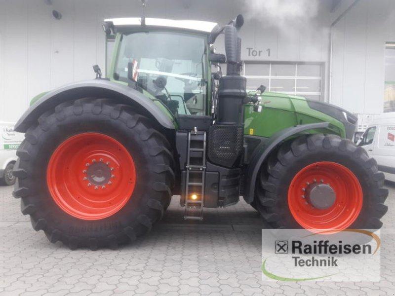 Traktor des Typs Fendt 1038 Vario S4 Profi Plus, Vorführmaschine in Eckernförde (Bild 1)