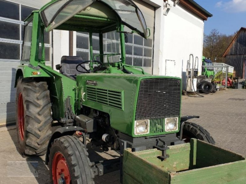 Traktor des Typs Fendt 104 S, Gebrauchtmaschine in Kleinlangheim - Atzhausen (Bild 4)