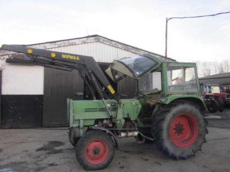 Traktor des Typs Fendt 104, Gebrauchtmaschine in Ziegenhagen (Bild 1)