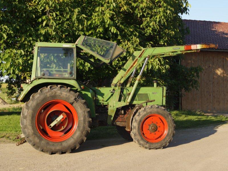 Traktor типа Fendt 108 SA, Gebrauchtmaschine в Ebersbach Musbach (Фотография 3)
