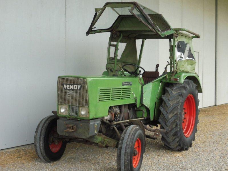 Traktor типа Fendt 2 S, Gebrauchtmaschine в Kammlach (Фотография 1)