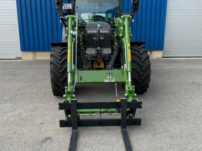Traktor des Typs Fendt 207 Vario, Vorführmaschine in Saldenburg (Bild 1)