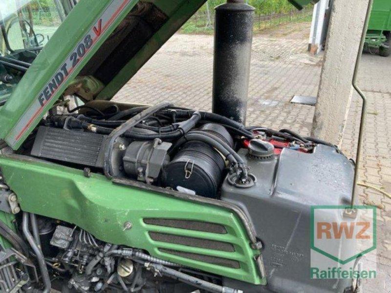 Traktor des Typs Fendt 208v, Gebrauchtmaschine in Grünstadt (Bild 3)