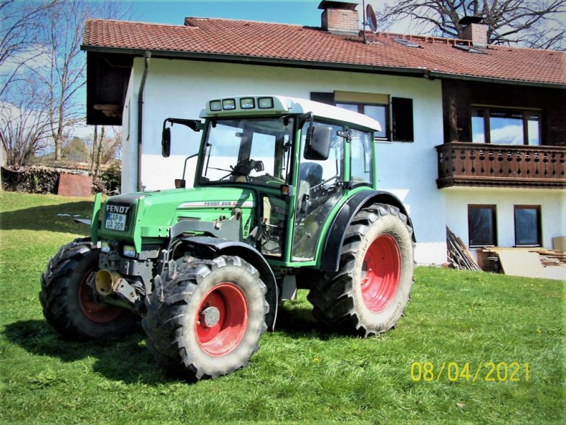 Traktor des Typs Fendt 209 C, Gebrauchtmaschine in Murnau (Bild 1)