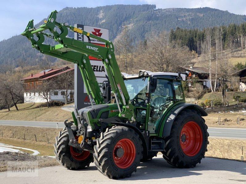 Traktor des Typs Fendt 211 S Vario S3 + Fendt Cargo 3X/65 DW, Neumaschine in Eben (Bild 1)