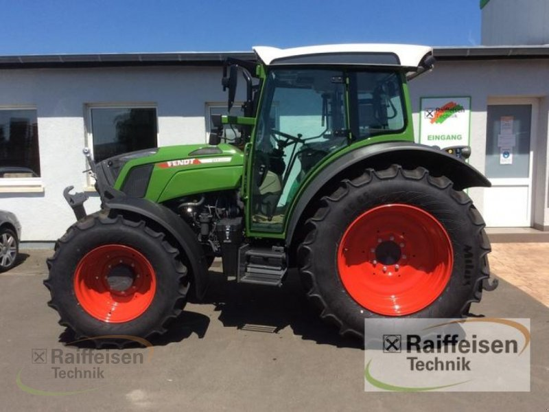Traktor des Typs Fendt 211 S Vario S3, Neumaschine in Bad Hersfeld (Bild 1)