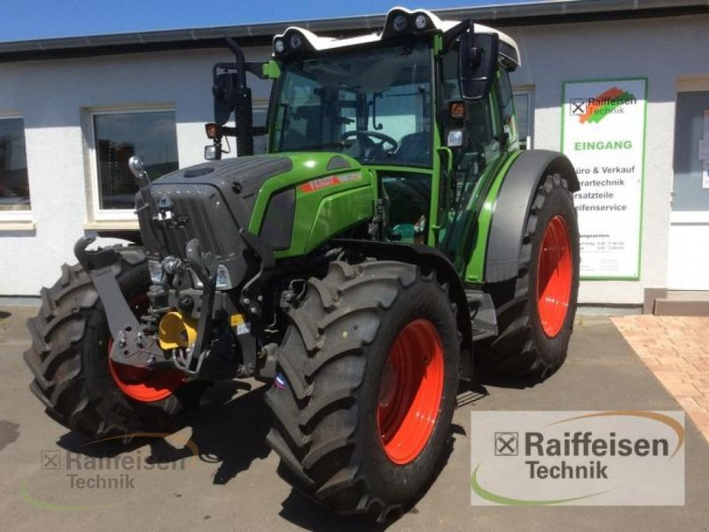 Traktor des Typs Fendt 211 S Vario S3, Neumaschine in Bad Hersfeld (Bild 3)