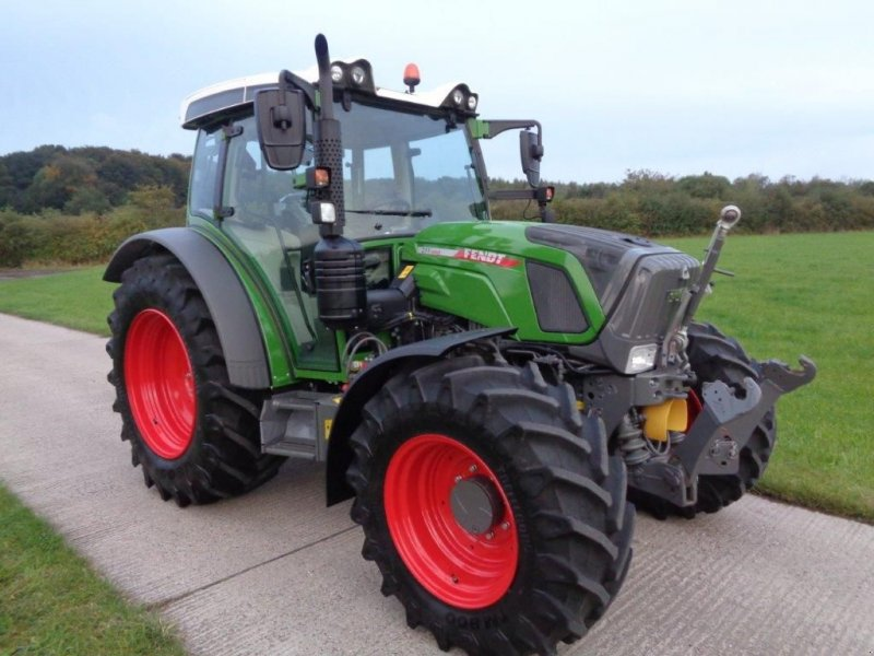 Traktor типа Fendt 211 TMS, Gebrauchtmaschine в BENNEKOM (Фотография 1)