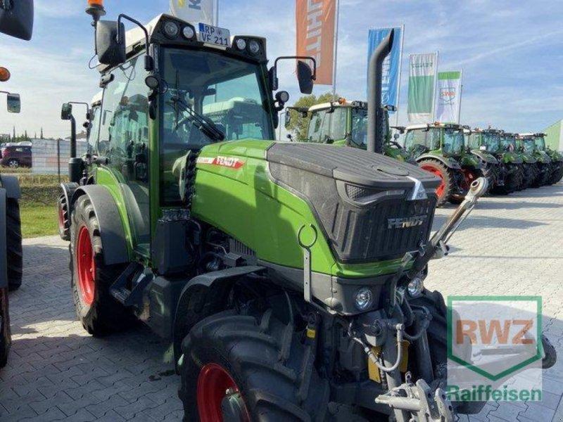 Traktor tipa Fendt 211 V Vario Profi Schmalspur, Vorführmaschine u Mutterstadt (Slika 1)
