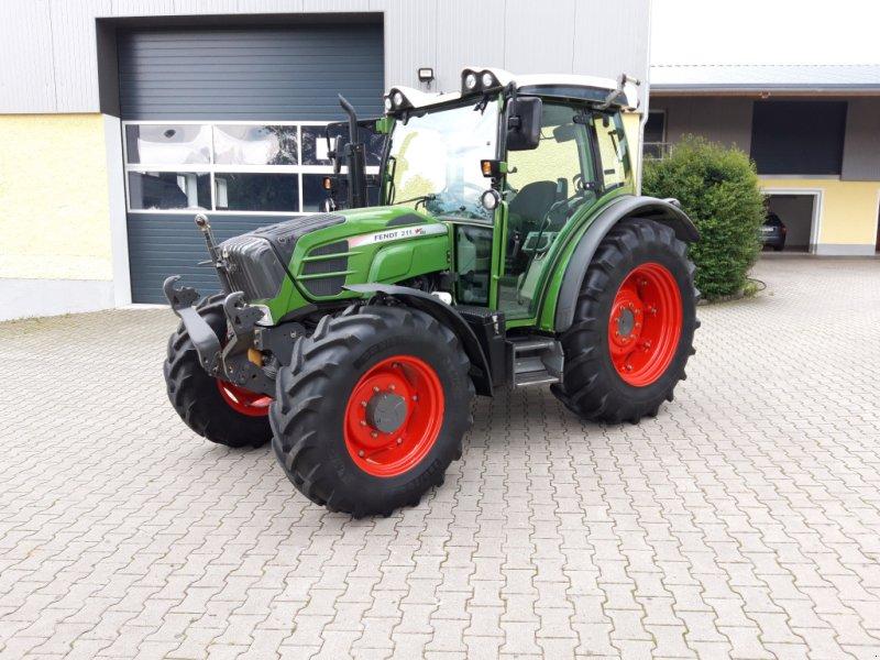 Traktor des Typs Fendt 211 Vario TMS Nature Green, Gebrauchtmaschine in Tirschenreuth (Bild 1)