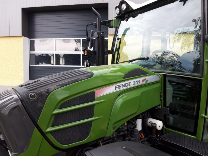 Traktor des Typs Fendt 211 Vario TMS Nature Green, Gebrauchtmaschine in Tirschenreuth (Bild 7)
