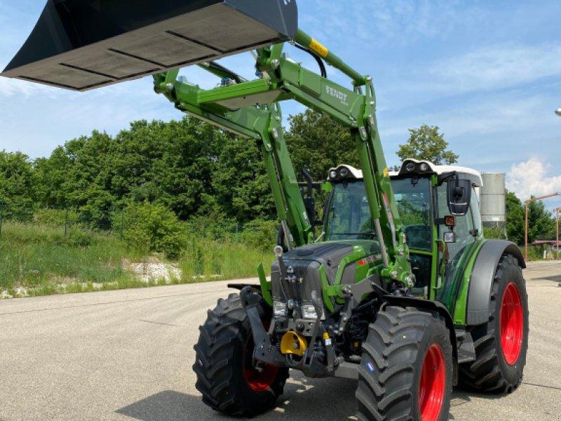 Traktor des Typs Fendt 211 Vario TMS S3, Gebrauchtmaschine in Treuchtlingen (Bild 1)