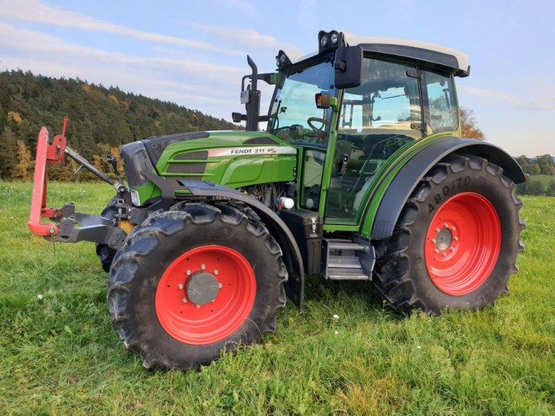 Traktor des Typs Fendt 211 Vario TMS, Gebrauchtmaschine in Himmelkron (Bild 1)