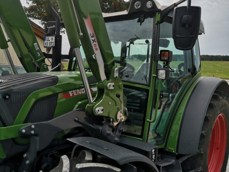 Traktor типа Fendt 211 Vario TMS, Gebrauchtmaschine в Weidenstetten (Фотография 1)