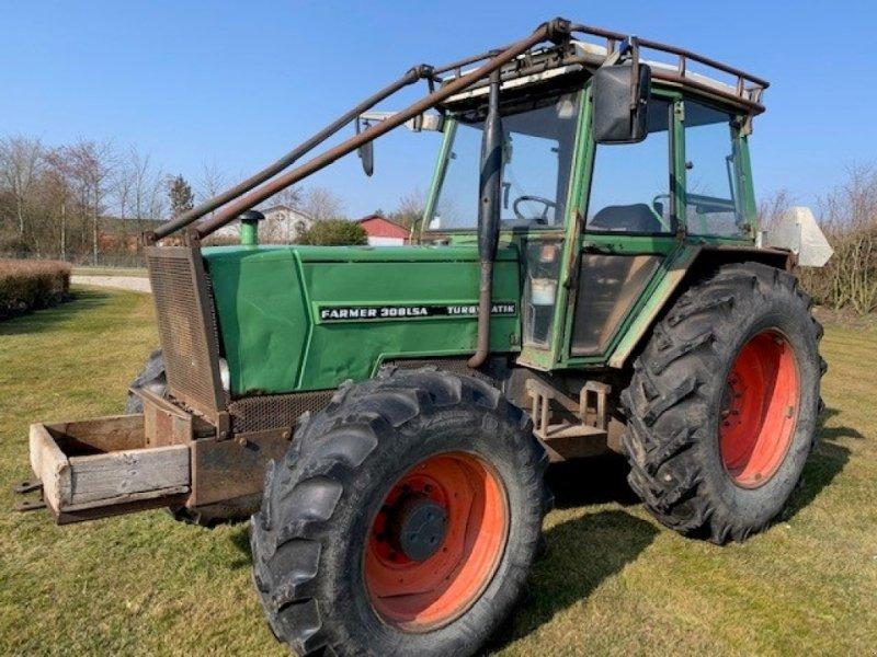 Traktor des Typs Fendt 308 LSA m/skovinddækning, Gebrauchtmaschine in Sakskøbing (Bild 1)
