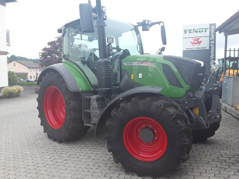 Traktor of the type Fendt 310 Vario S4 Profi, Gebrauchtmaschine in Eging am See (Picture 1)