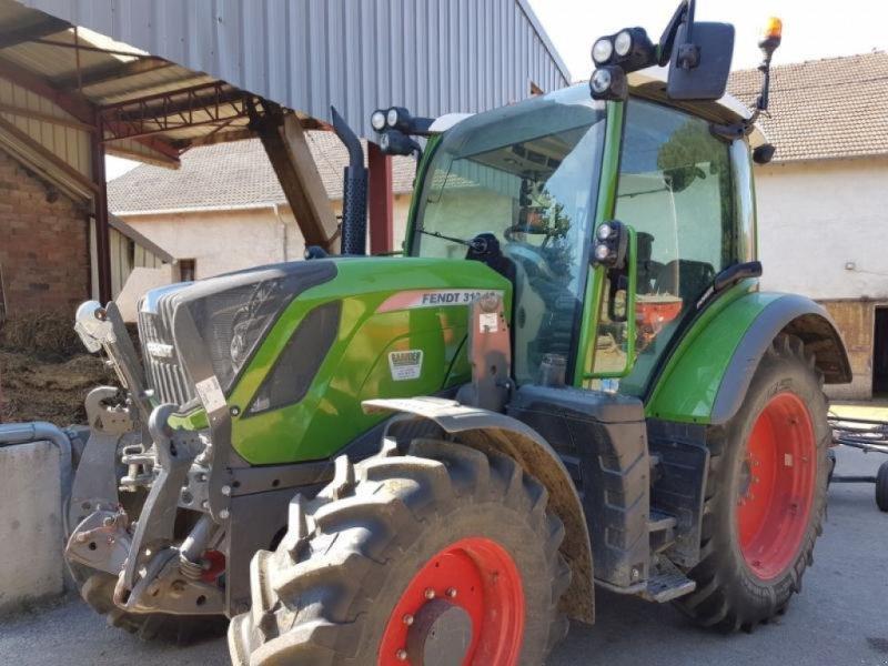 Traktor des Typs Fendt 310 VARIO S4, Gebrauchtmaschine in Levier (Bild 1)