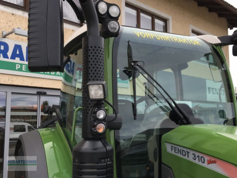 Traktor of the type Fendt 310 Vario, Vorführmaschine in Pettenbach (Picture 5)