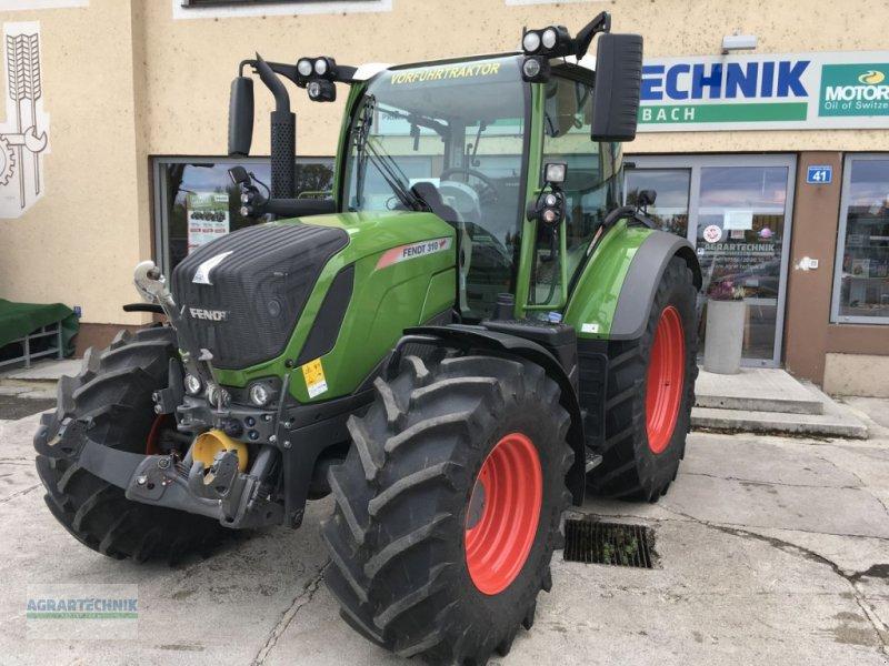 Traktor of the type Fendt 310 Vario, Vorführmaschine in Pettenbach (Picture 2)