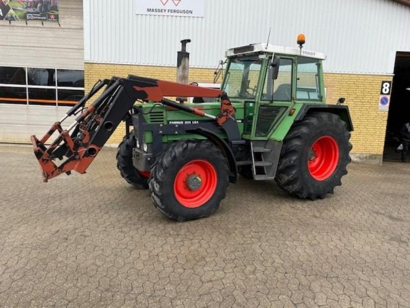Traktor of the type Fendt 311 LSA Farmer Turbomatic med frontlæsser, Gebrauchtmaschine in Ringe (Picture 1)