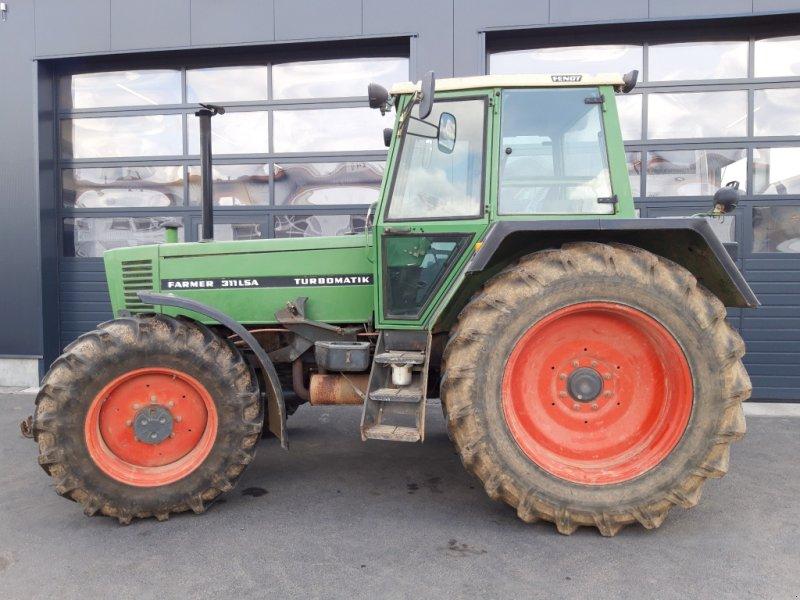 Traktor des Typs Fendt 311 LSA, Gebrauchtmaschine in Wülfershausen an der Saale (Bild 1)