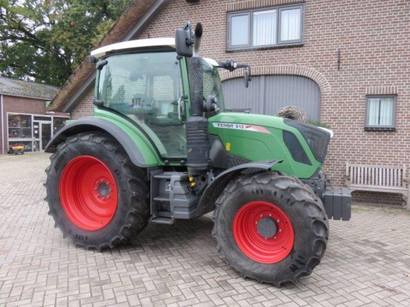 Traktor des Typs Fendt 312 power, Gebrauchtmaschine in Lunteren (Bild 1)