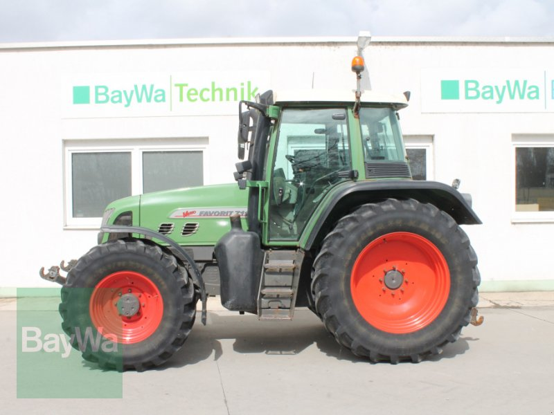 Traktor des Typs Fendt 711 Vario, Gebrauchtmaschine in Straubing (Bild 1)