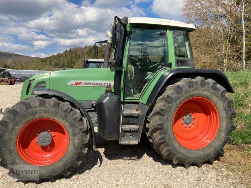Traktor des Typs Fendt 712 Vario, Gebrauchtmaschine in Kirchen-Hausen (Bild 1)