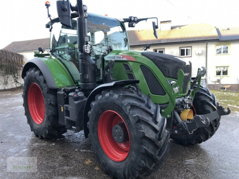 Traktor des Typs Fendt 714 Vario Profi+, Gebrauchtmaschine in Bad Leonfelden (Bild 1)