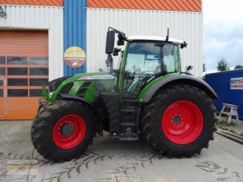 Traktor des Typs Fendt 714 Vario S4 ProfiPlus, Gebrauchtmaschine in Böklund (Bild 1)