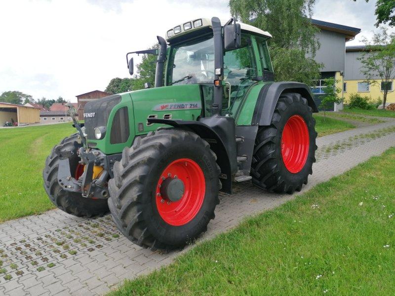 Traktor des Typs Fendt 714  Vario TMS COM2 711 712 716 718 Frontzapfwelle, Gebrauchtmaschine in Tirschenreuth (Bild 1)