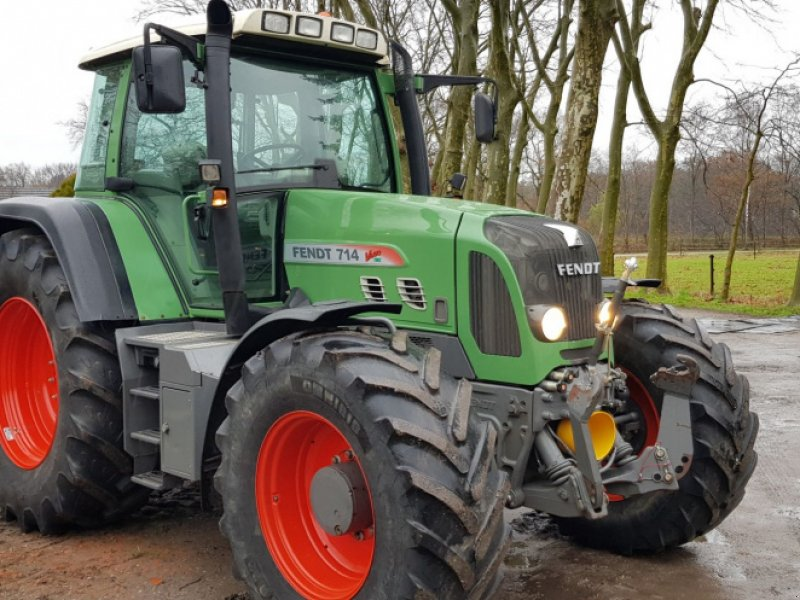 Traktor des Typs Fendt 714 Vario tms, Gebrauchtmaschine in Bergen op Zoom (Bild 1)