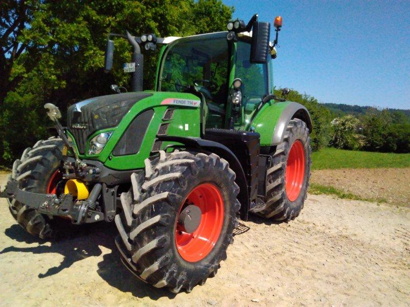 Traktor des Typs Fendt 714 Vario TMS, Gebrauchtmaschine in Ortenburg (Bild 1)