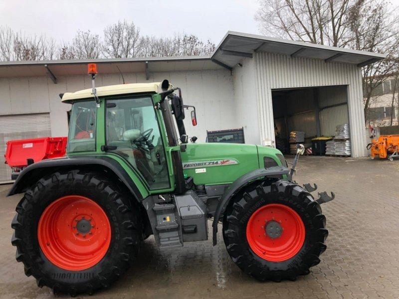 Traktor des Typs Fendt 714 Vario, Gebrauchtmaschine in Affing  (Bild 1)