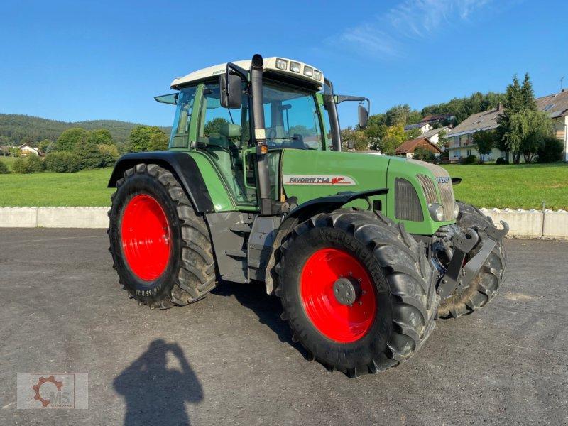 Traktor des Typs Fendt 714 Vario, Gebrauchtmaschine in Tiefenbach (Bild 1)