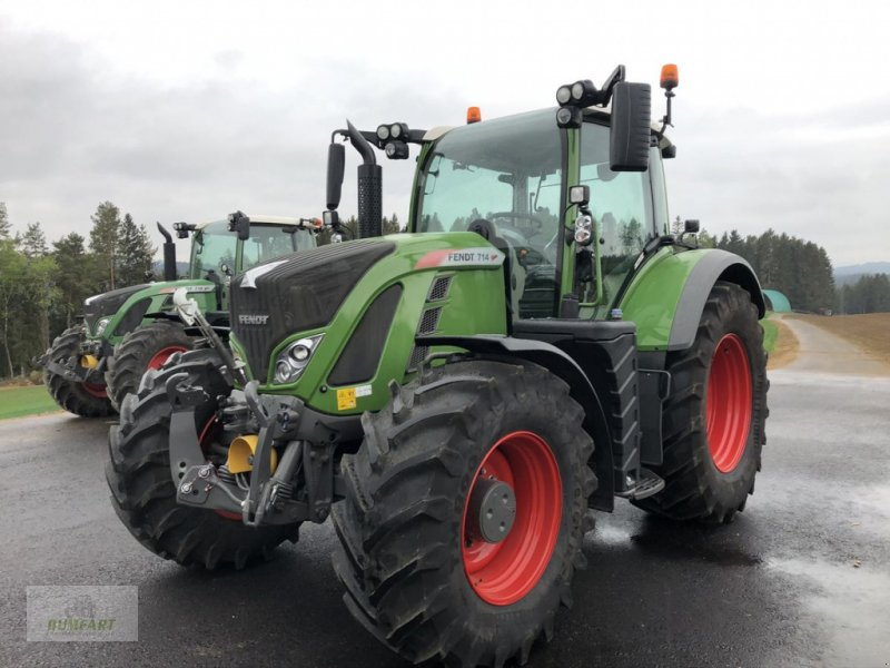 Traktor des Typs Fendt 714 Vario, Neumaschine in Bad Leonfelden (Bild 1)