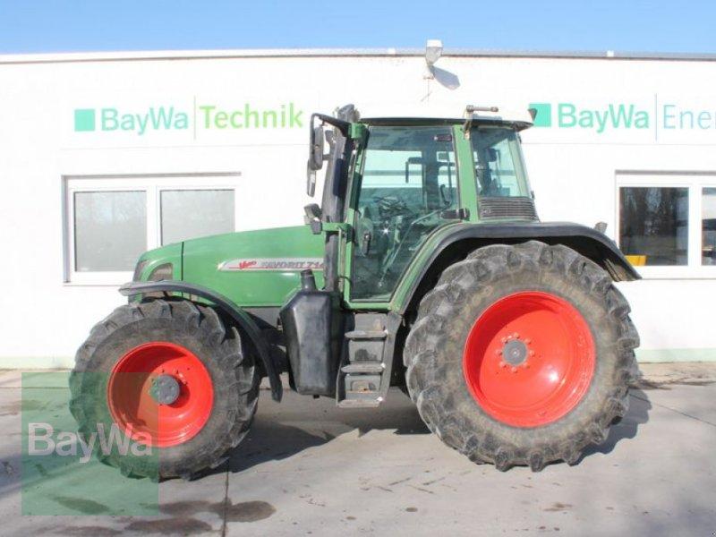 Traktor des Typs Fendt 714 VARIO, Gebrauchtmaschine in Straubing (Bild 1)