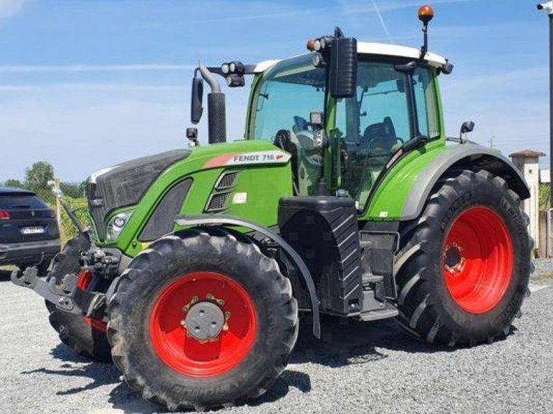 Traktor типа Fendt 716 PROFI PLUS, Gebrauchtmaschine в PEYROLE (Фотография 1)