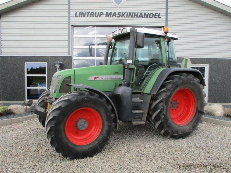 Traktor des Typs Fendt 716 VARIO Med frontlift og frontPTO, Gebrauchtmaschine in Lintrup (Bild 1)