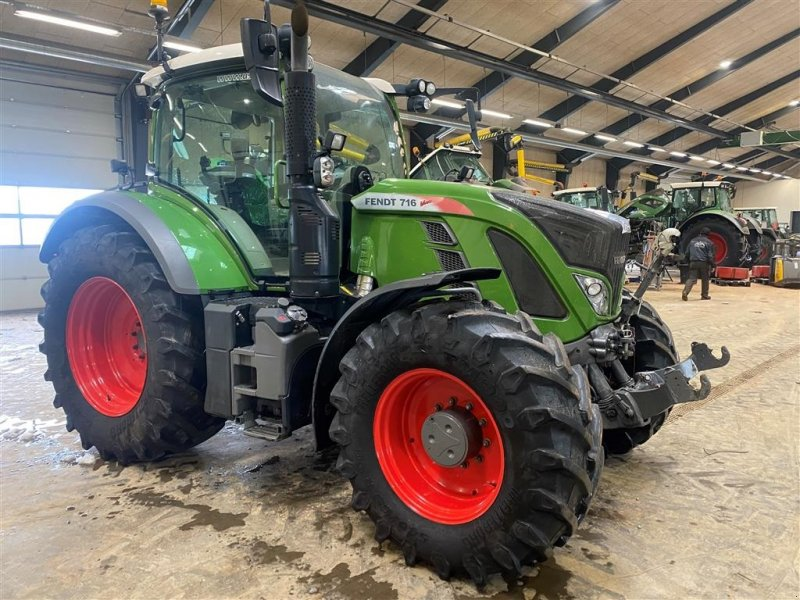 Traktor des Typs Fendt 716 Vario S4 Profi  som ny, Gebrauchtmaschine in Rødekro (Bild 1)