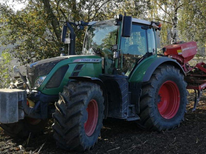 Traktor типа Fendt 716 Vario SCR, Gebrauchtmaschine в Sielenbach (Фотография 1)