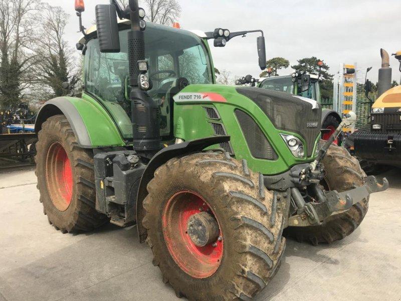 Traktor des Typs Fendt 716  Vario, Gebrauchtmaschine in Grantham (Bild 1)