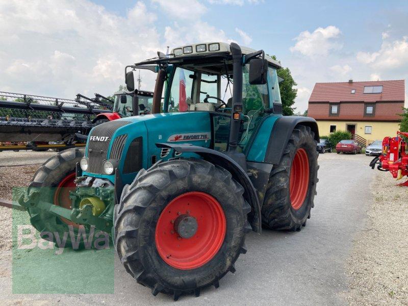 Traktor des Typs Fendt 716  Vario, Gebrauchtmaschine in Dinkelsbühl (Bild 1)