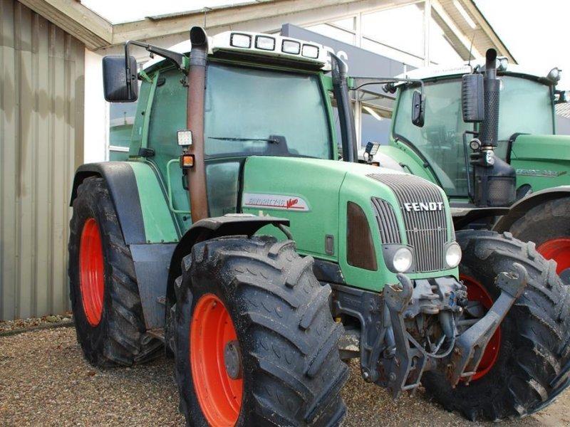 Traktor des Typs Fendt 716, Gebrauchtmaschine in Grindsted (Bild 1)