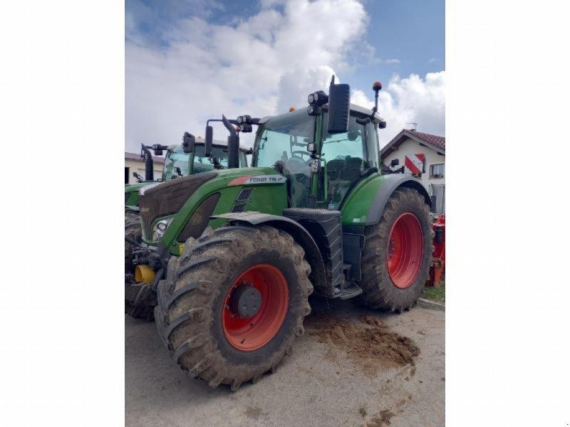 Traktor типа Fendt 718 VARIO S4, Gebrauchtmaschine в Levier (Фотография 1)