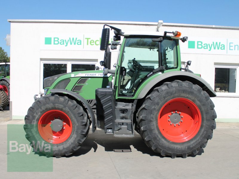 Traktor of the type Fendt 718 Vario SCR Profi, Gebrauchtmaschine in Straubing (Picture 1)